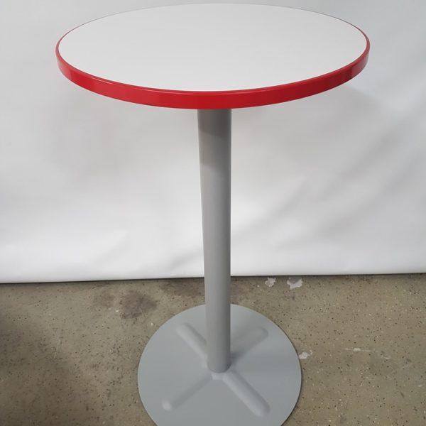 Käytetty baaripöytä