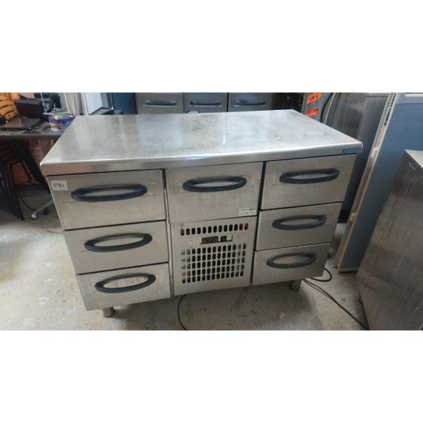Käytetty kylmävetolaatikosto